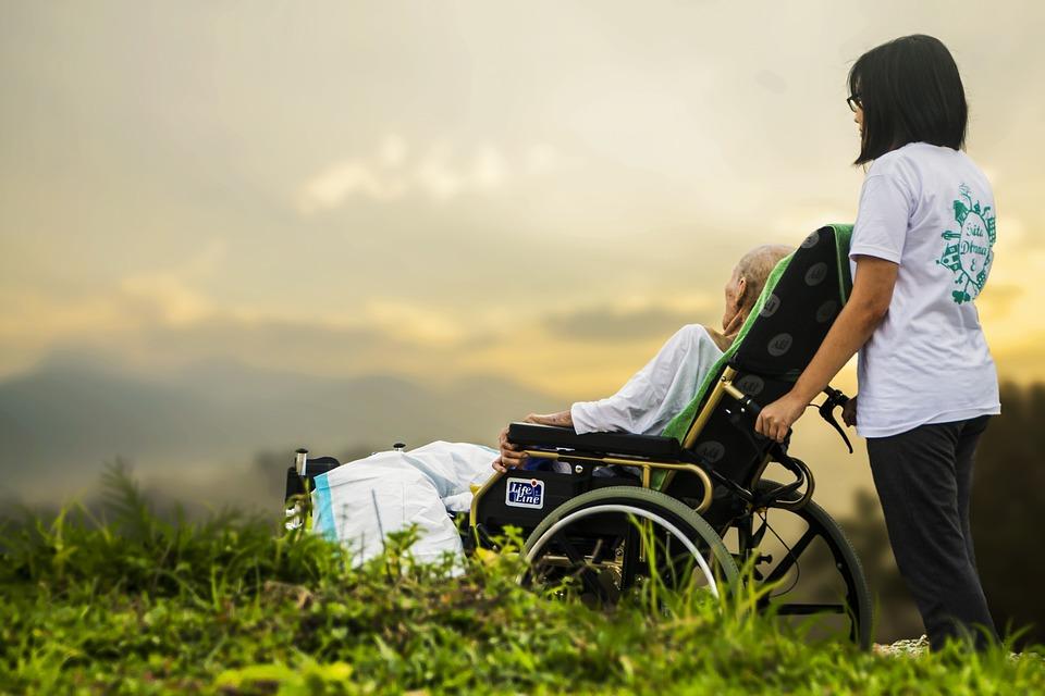 Máster universitario en cuidados de salud para la promoción de la autonomía de las personas y la atención a los procesos del fin de la vida